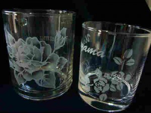 MomoWorksサンプル写真_サンドブラストによるガラス・コップ彫刻作業風景_step6 完成